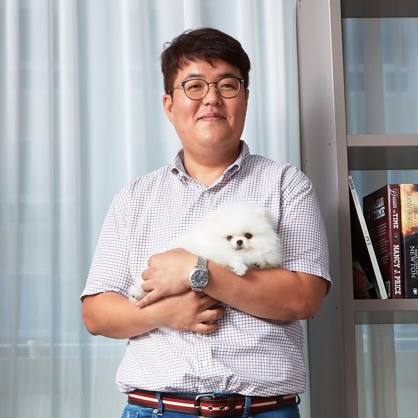 신건호 대표는 반려인의 가장 큰 애로사항인 목욕후 젖은 반려동물의 드라이를 펫드라이룸으로 해결했다(사진=페페)